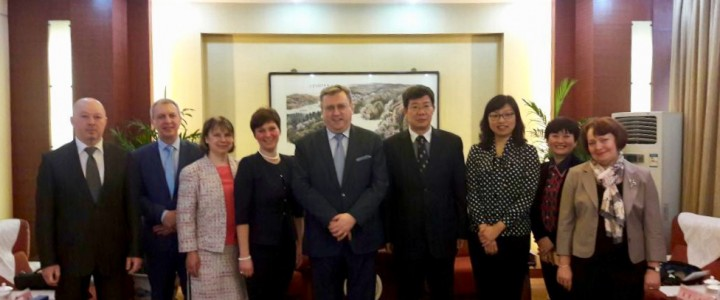 The next stage of MPGU official delegation headed by the Rector A.V. Lubkov in the city of Xian (PRC)